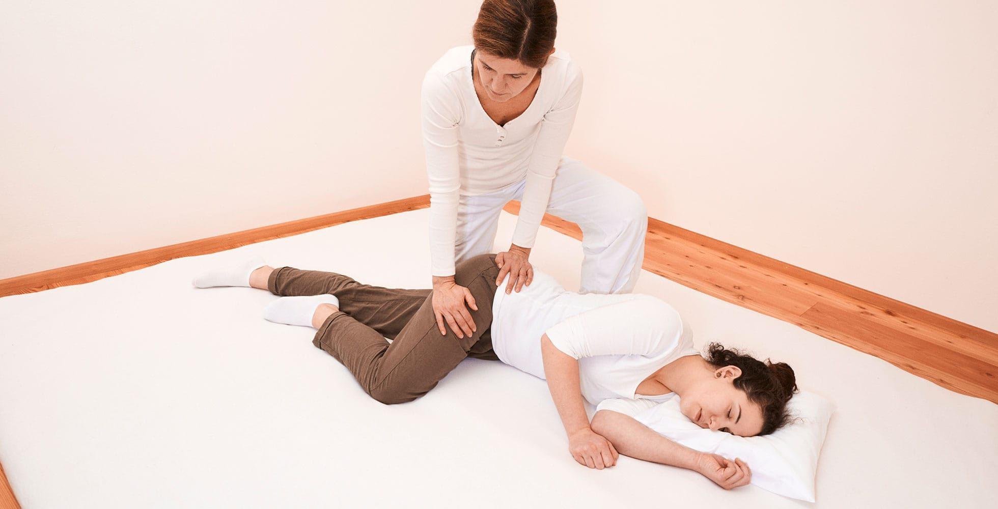 Shiatsu Behandlung auf der Matte, Gabi Frank Shiatsu